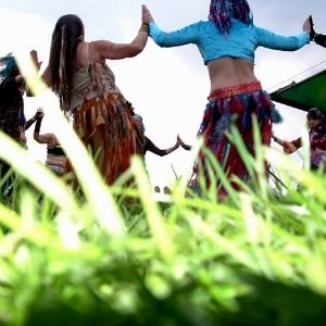 Los beneficios de la danza oriental con muchísimos, a nivel físico y psicológico