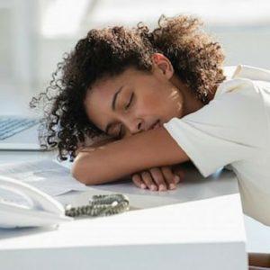 cansancio es uno de los síntomas de la candidiasis