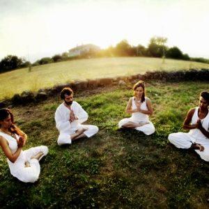 Kundalini yoga, foto de wari om