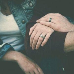 Reconocimiento entre mujer y hombre