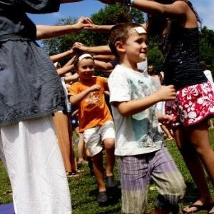 Tunel del amor del festival de yoga