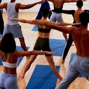 combinación del movimiento, los bandhas y la respiración ujjayi