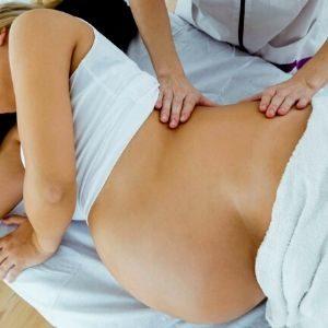 masaje prenatal de lado