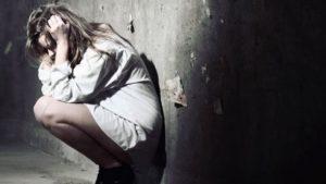 evitar las emociones desagradables yendo hacia las agradables