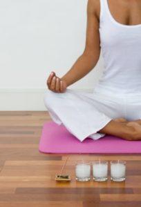 La posición de meditar sentados
