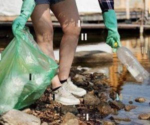 ayudando a descontaminar