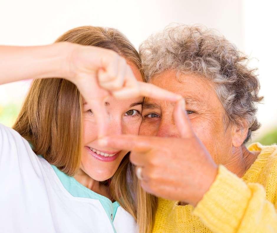 Cuidar de nuestros mayores es una tarea imprescindible